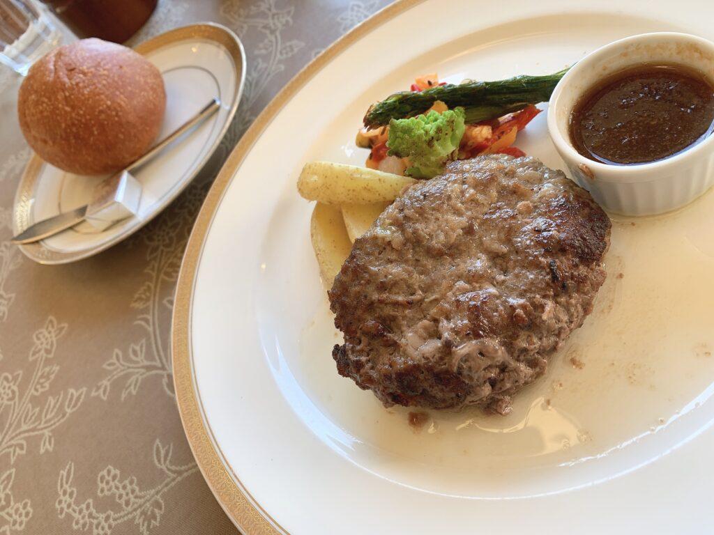 レストランメープルのハンバーグ