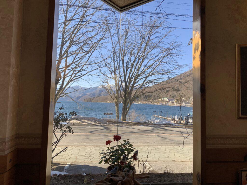 レストランメープルから中禅寺湖の眺め